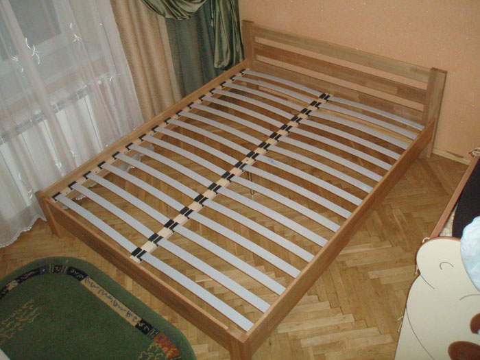 Как сделать кровать с ламелями своими руками
